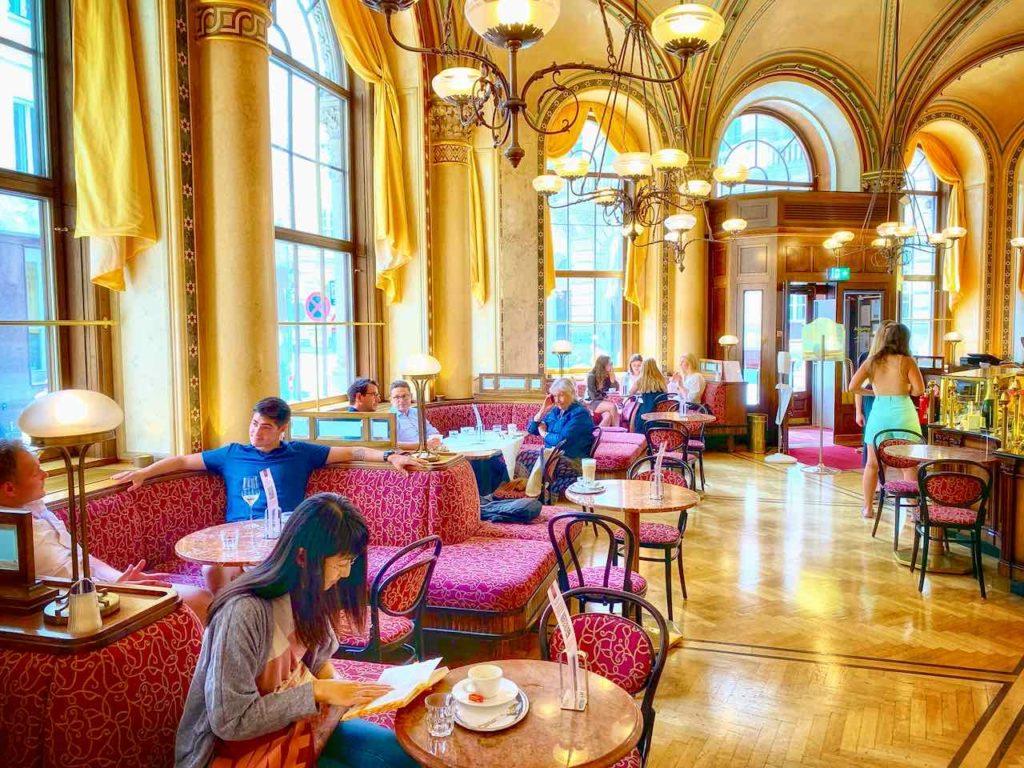 Zu den Stammgästen vom Café Central gehörten schon Freud und Trotzki