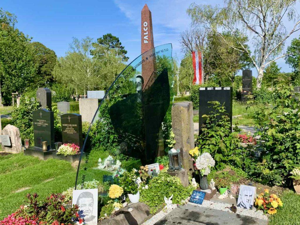 Grabstätte von Sänger Falco auf dem Zentralfriedhof Wien