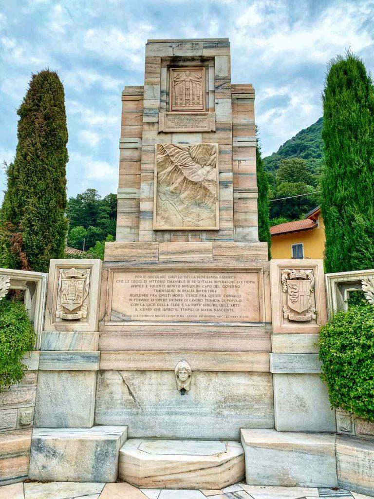 Monument für den Marmorsteinbruch von Candoglia
