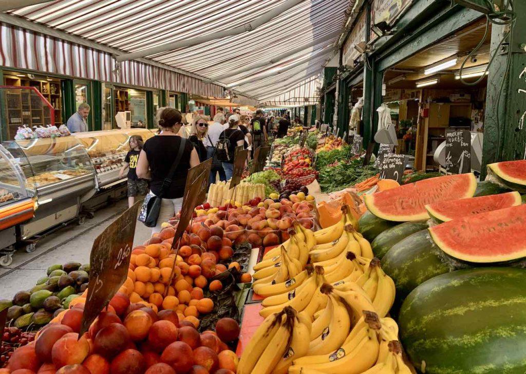 Am Naschmarkt in Wien ist Multikulti angesagtNaschmarkt