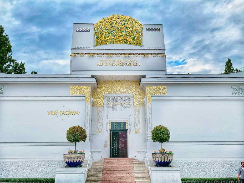 Das Ausstellungsgebäude der Wiener Secession gilt als eines der Hauptwerke des Jugendstils