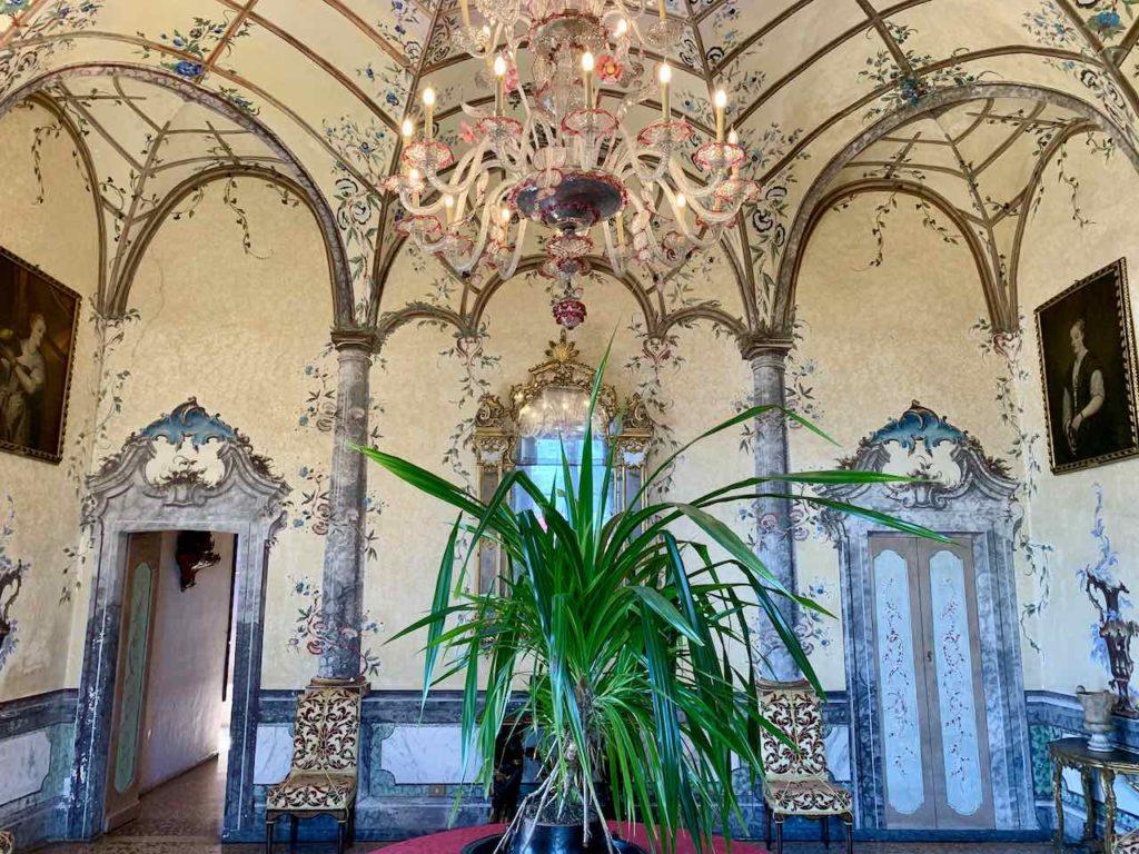 Borromäische Inseln: Palazzo Borromeo auf der Isola Madre auf dem Lago Maggiore, Italien