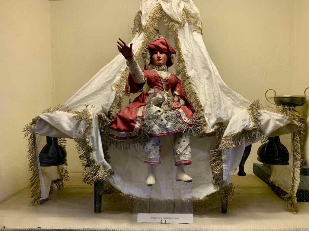 Puppensaal im Palazzo Borromeo auf der Isola Madre auf dem Lago Maggiore, Italien