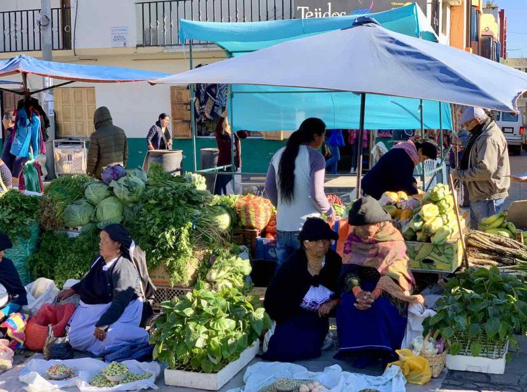 Gemüse auf dem Markt in Otavalo