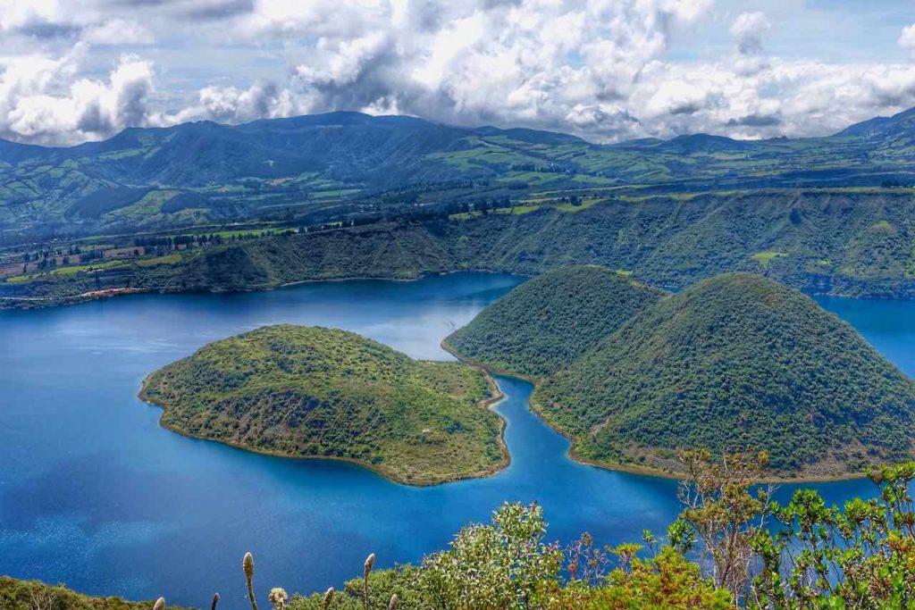 Kratersee der Lagune Cuicocha, Ecuador