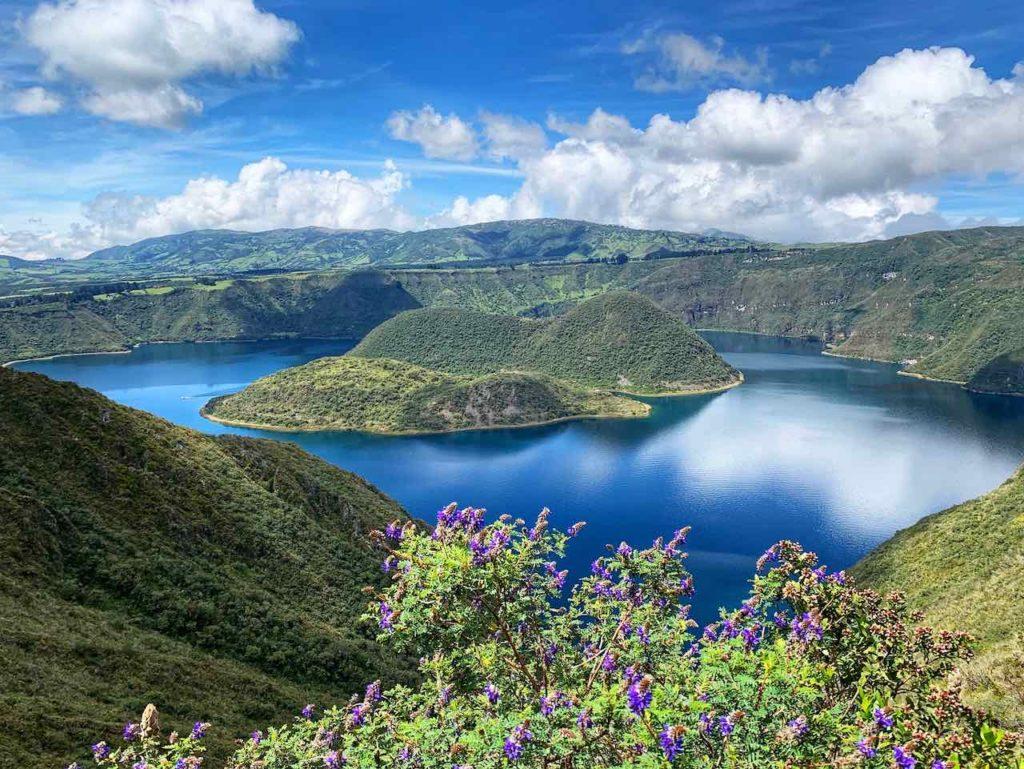 Lagune Cuicocha im Norden von Ecuador