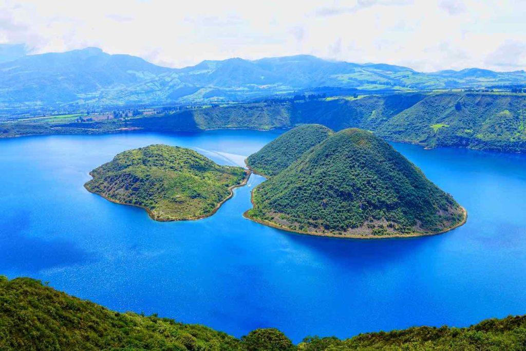 Lagune Cuicocha bei Otavalo in Ecuador Foto Peter Pohle PetersTravel