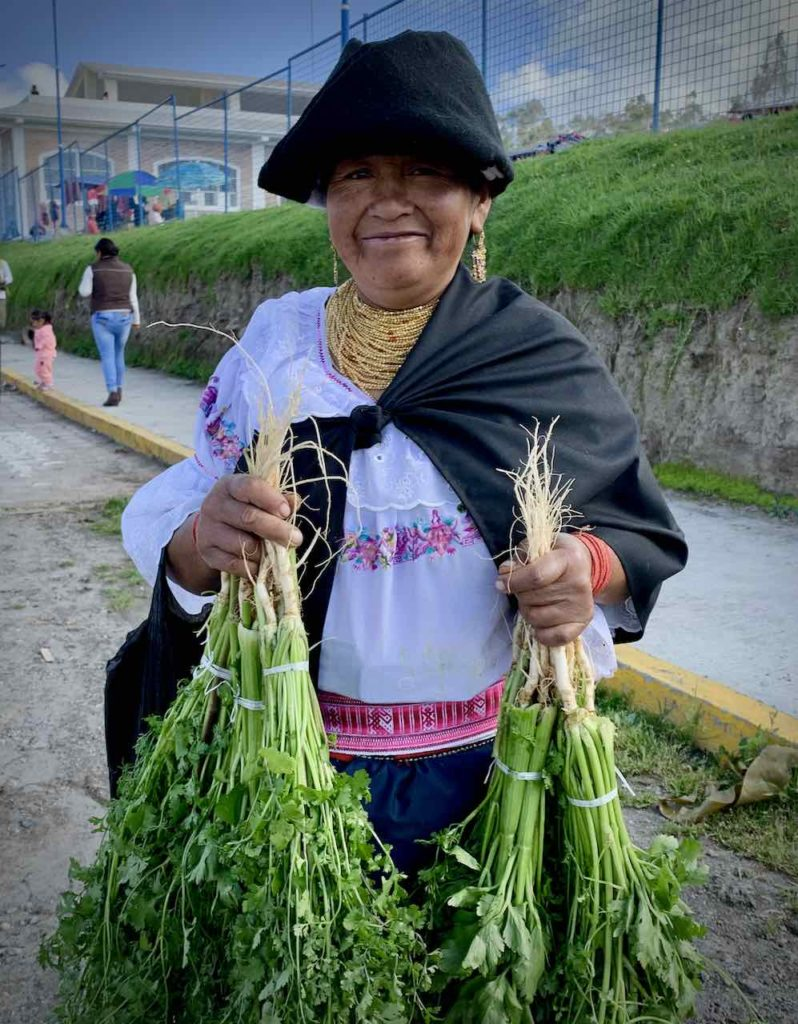 Local auf dem Markttag in Otavalo
