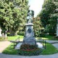 Mozart-Gedenkstätte mit Gräbern von Beethoven und Franz Schubert auf dem Zentralfriedhof Wien