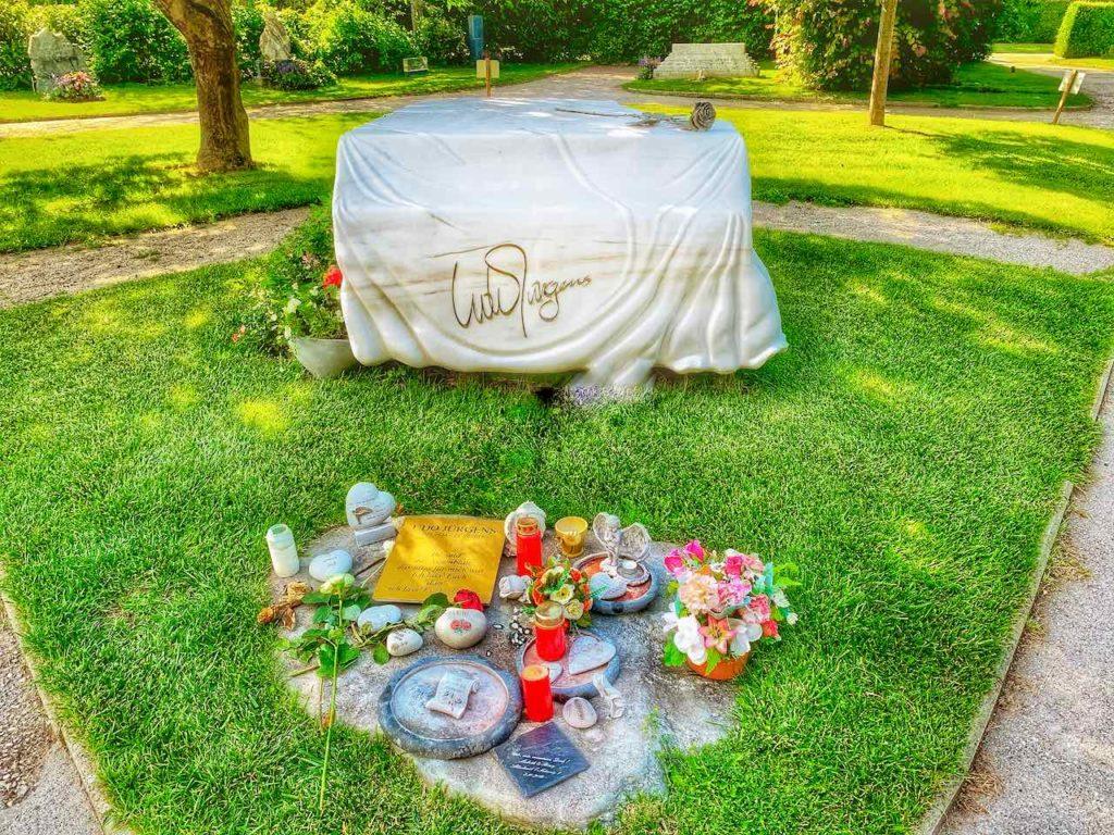 Zentralfriedhof Wien Grabstätte von Udo Jürgens