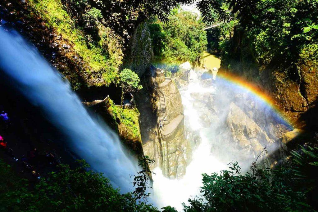 Wasserfall PailóndelDiablo bei Baños in Ecuador
