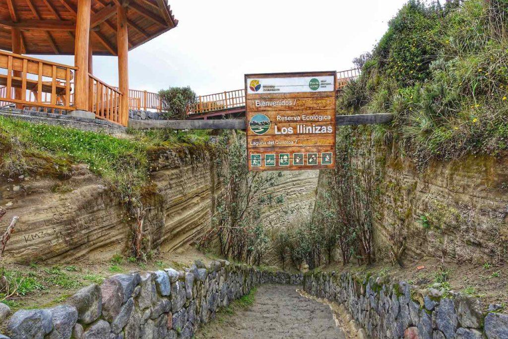 Weg zum Kratersee der Lagune Quilotoa in Ecuador