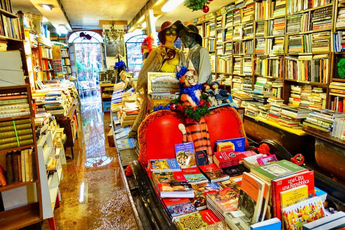 Libreria Acqua Alta (Buchhandlung Hochwasser), Venedig
