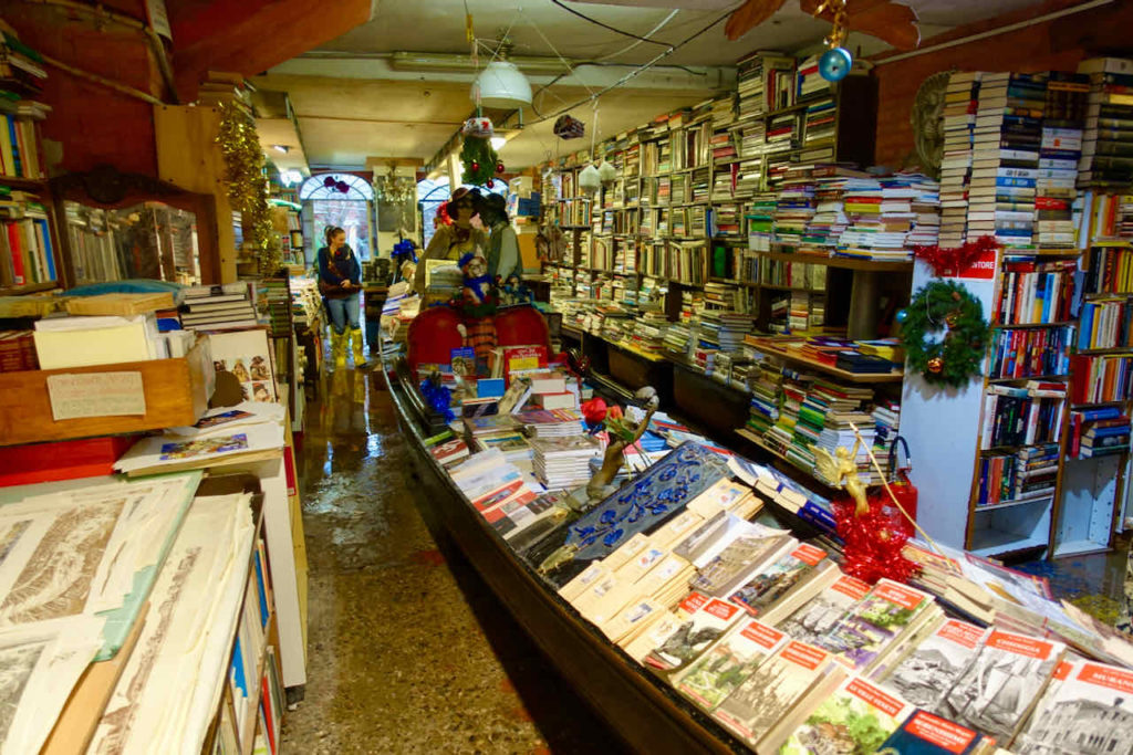 Buchhandlung Libreria Acqua Alta, Venedig