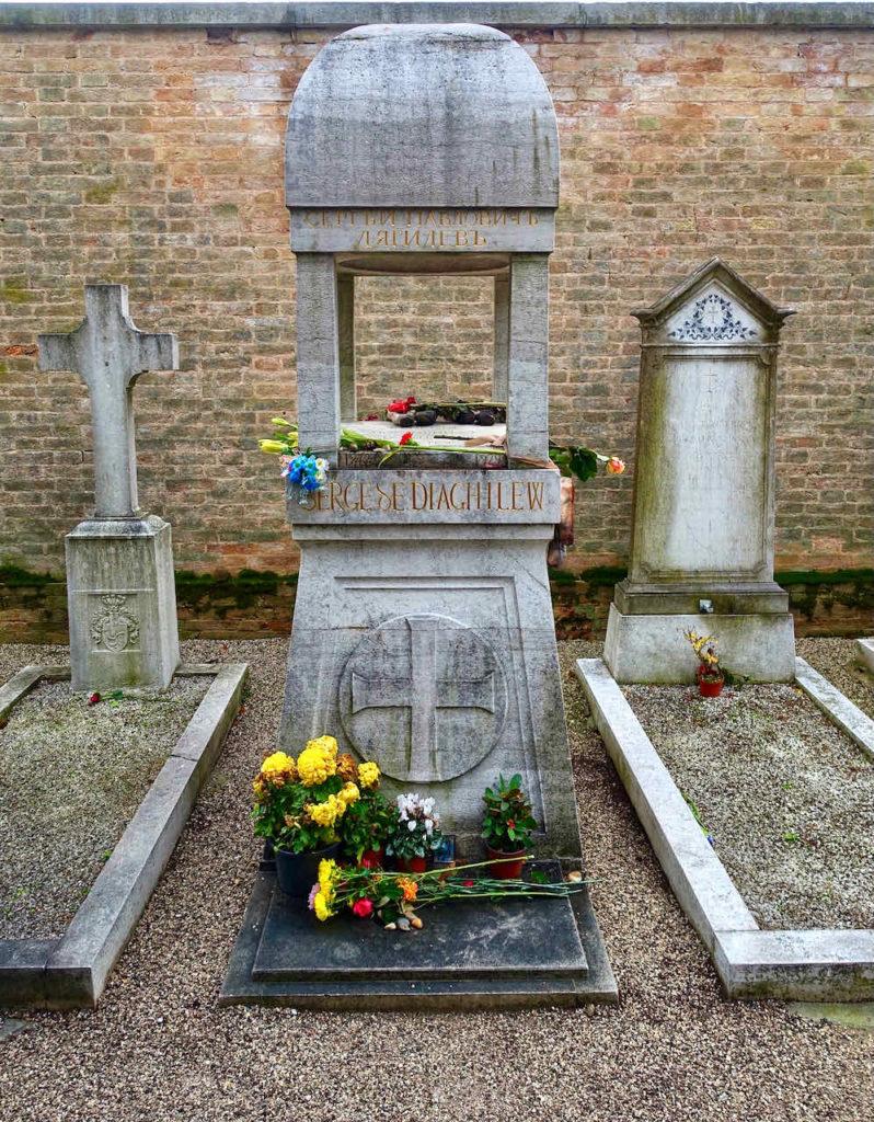 Grabmal des Ballettdirektors Sergei Diaghilew, Friedhof Venedig auf der Insel San Michele