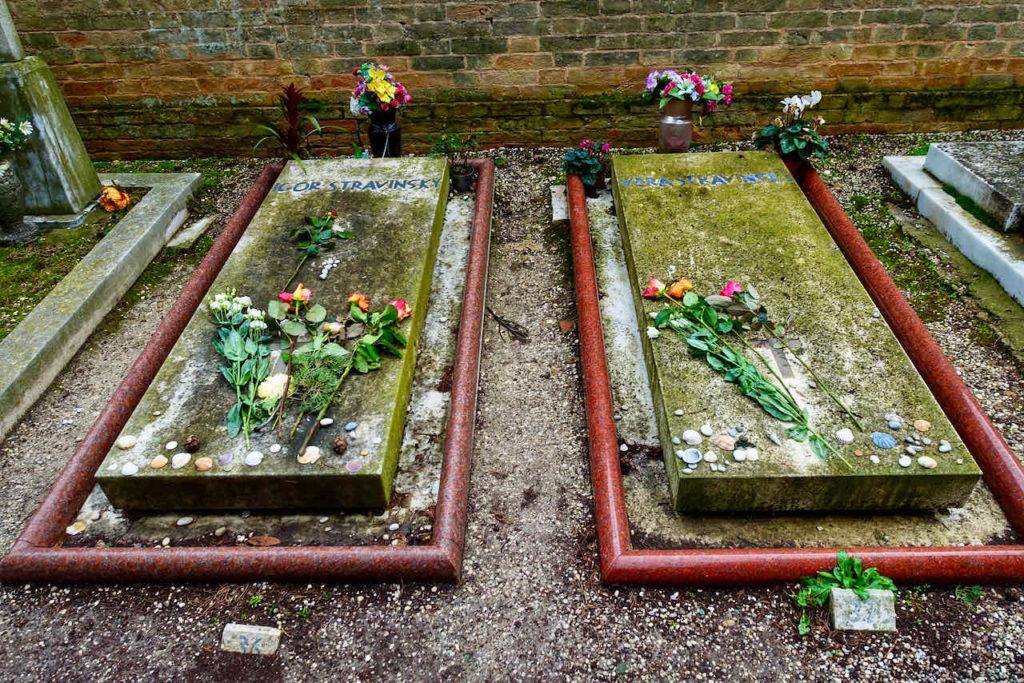 Grabstätten des Komponisten Igor Stravinsky und seiner zweiten Frau, der Tänzerin Vera de Bossett Sudekine auf dem Friedhof von Venedig, Friedhofsinsel San Michele