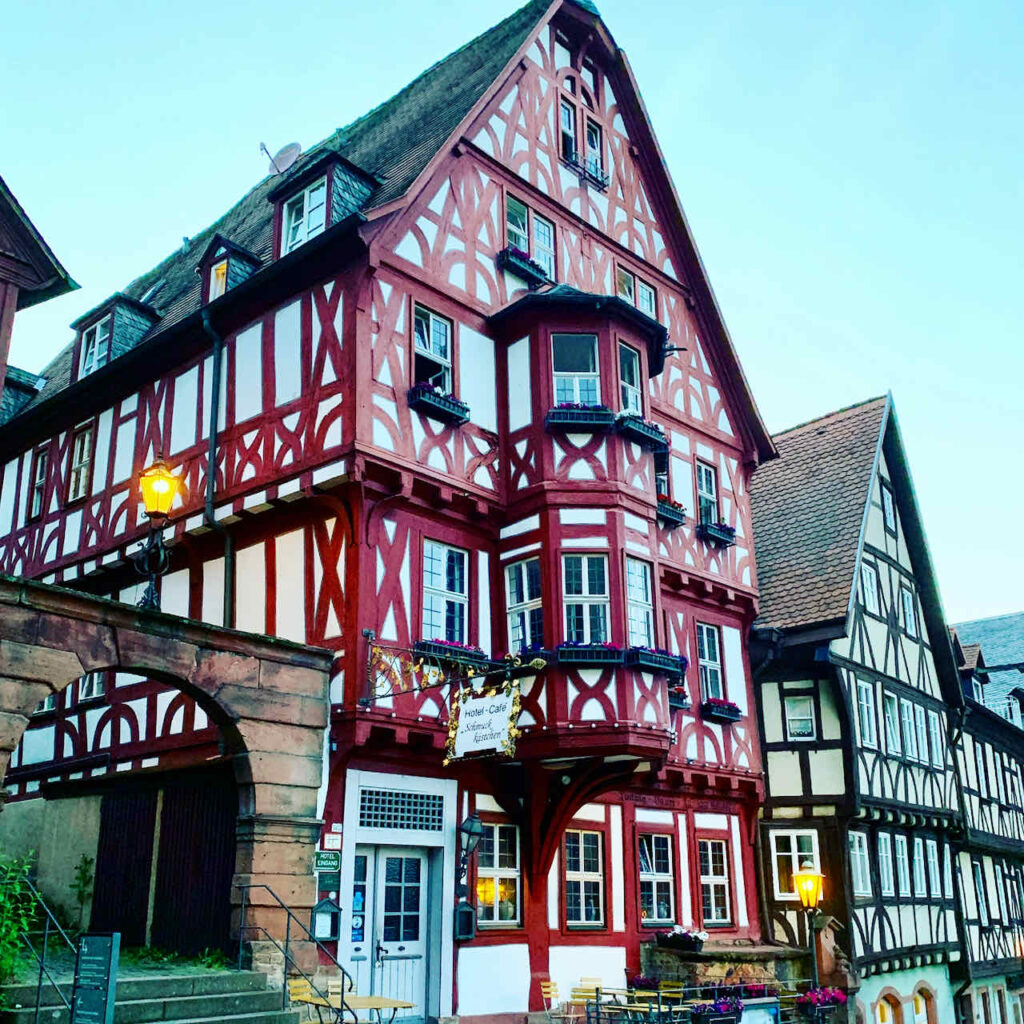 Churfranken: Hotel Zum Schmuckkästchen in Miltenberg