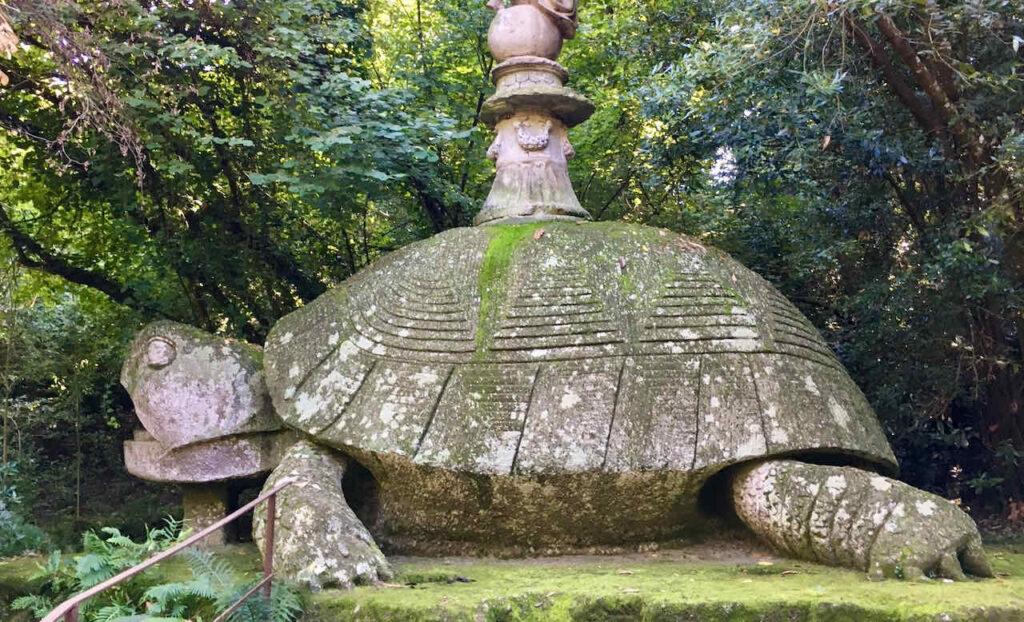Schildkröte im Park Bomarzo, Foto © Ellen Fechner