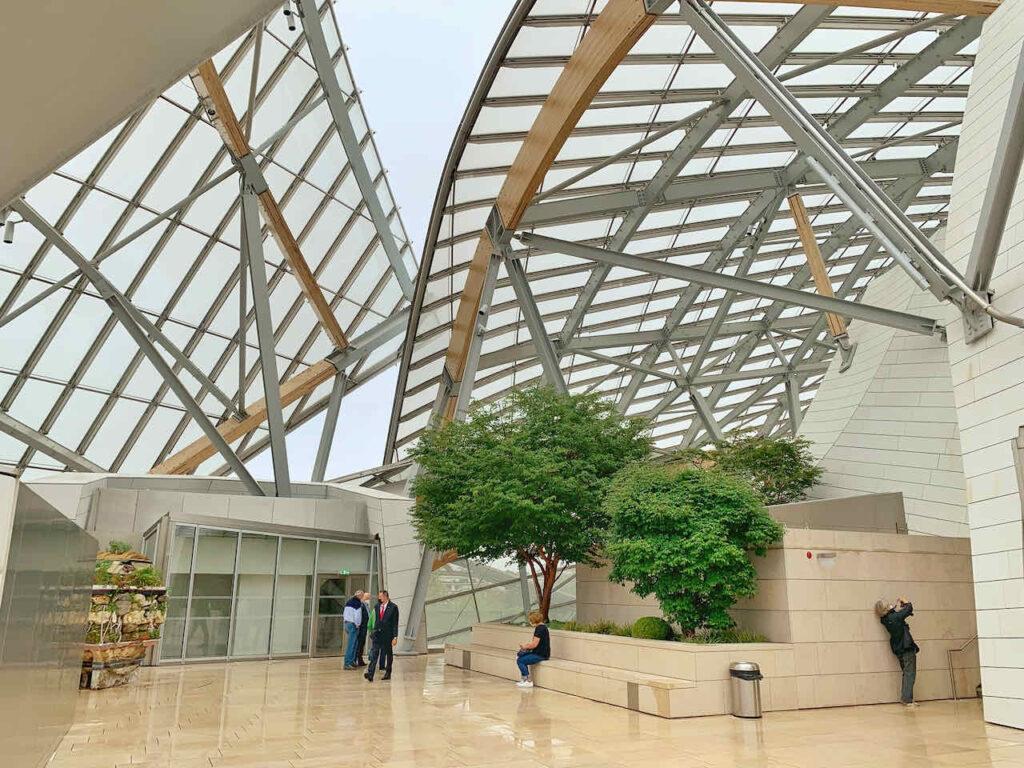 Fondation Louis Vuitton, Kunstmuseum von Architekt Frank Gehry Paris, Frankreich